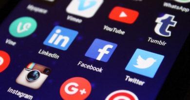 ikonki social media w telefonie